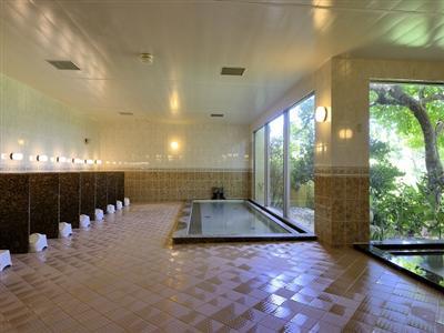 仕事に、遊びに、疲れた体を癒す大浴場