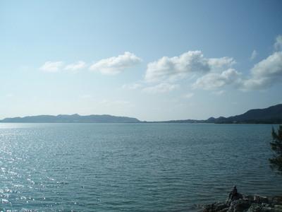 石垣島西部、穏やかな名蔵湾近く海まで100mの自然豊かなコンドミニアム