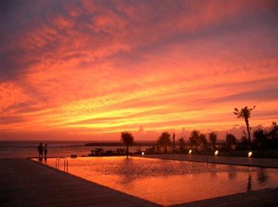 シンリ浜は夕陽の絶景スポット