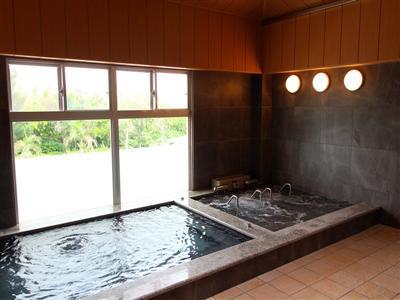 疲労回復や美肌効果のある大浴場で、癒やしのひととき