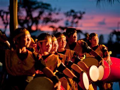 夏季は伝統舞踊のエイサーや獅子舞などが楽しめるイベント多数