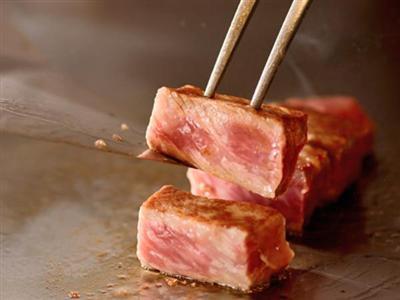 レストラン「マラルンガ」でいただく和琉創作料理と鉄板焼き