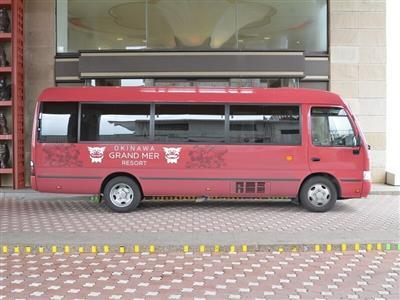 宿泊者は無料で利用できるシャトルバスでレンタカーがなくても移動が楽々