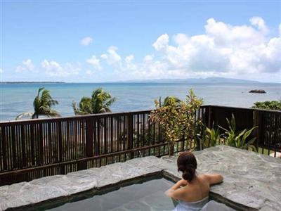 石垣島では珍しい露天風呂付展望大浴場があります。