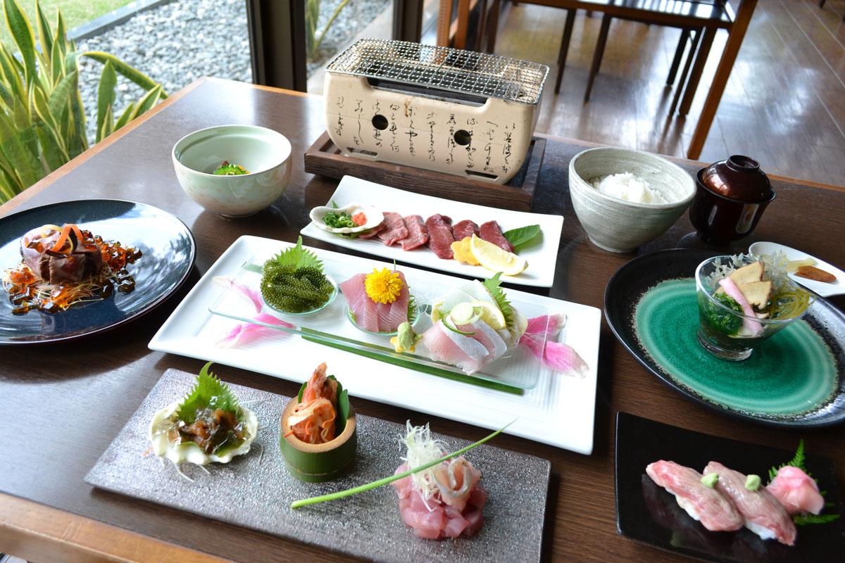 「創作島料理・寿司処 ゆんたく」石垣牛の握りが絶品