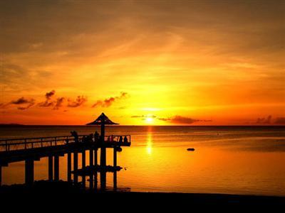夕日の絶景スポットがあるビーチリゾート