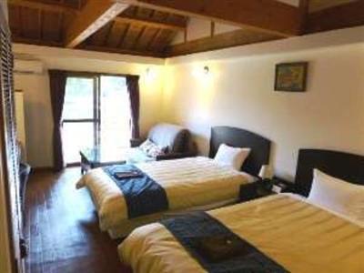各お部屋の壁には琉球漆喰を使用しています。