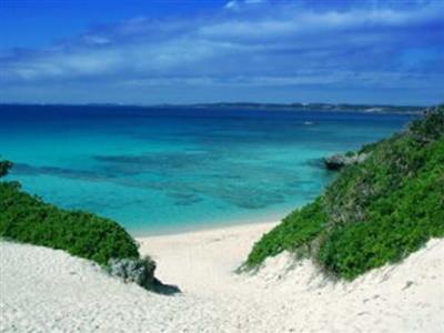 パイナガマビーチや砂山ビーチなど、ビーチめぐりを楽しんで