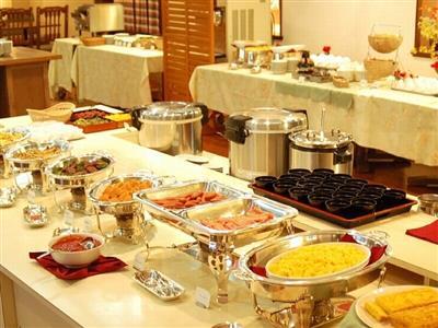 朝食は1階レストラン「サンタフェ」で和洋食バイキング