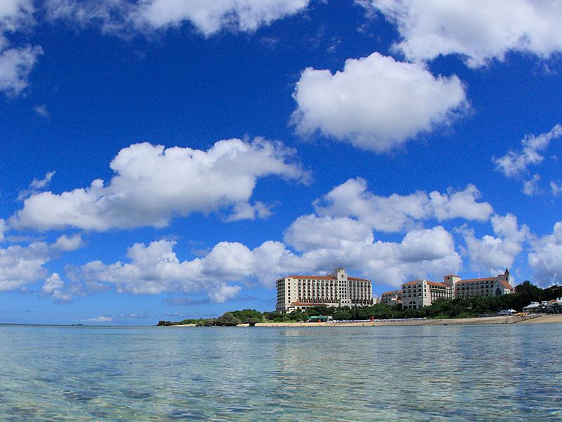 平成28年に環境省が行った水質調査で「AA」の判定を受けた天然ビーチ