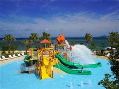 グループホテルのビーチやプールをオトクに遊び尽くす