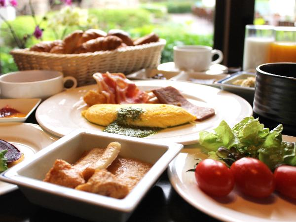 朝食は種類も味も大満足な内容<br />自慢の食事もぜひ楽しんで