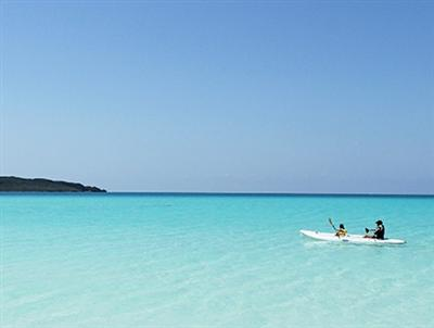 ミヤコブルーと称される美しい海を楽しむアクティビティも充実