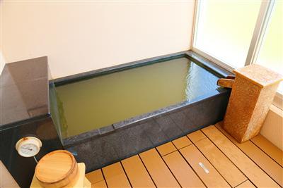 温泉付きの客室なら、周りに気兼ねなく好きな時に好きなだけ!