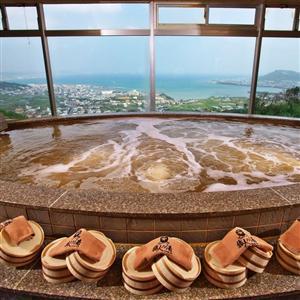 天然温泉「猿人の湯」には美肌効果に関連のある成分も含まれています。