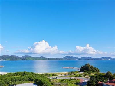 名護湾を見晴らす景観も魅力