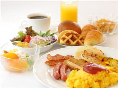 地産地消をキーワードに朝食はバイキングスタイルで