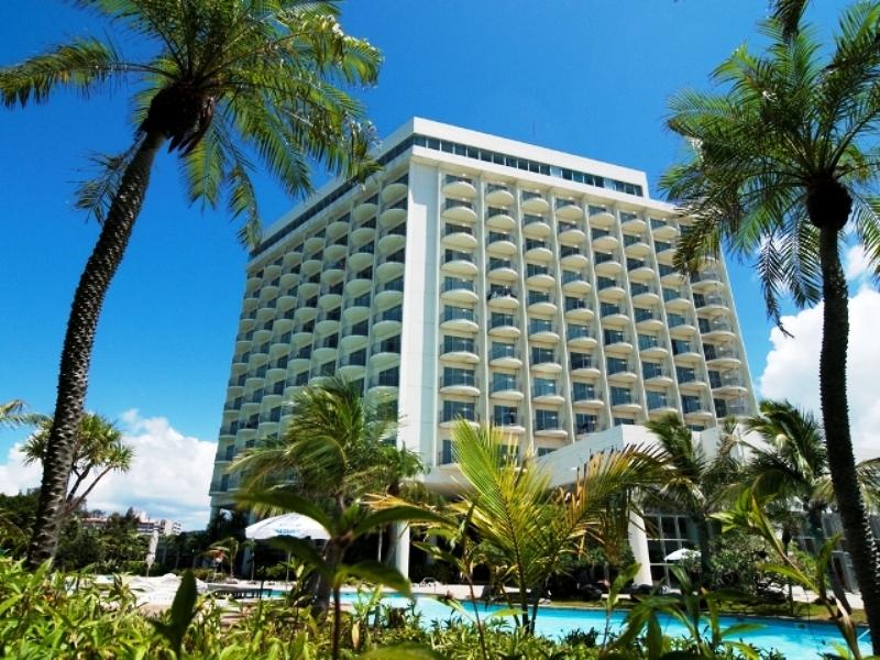 海に街に、多彩な遊びに応えられる郊外型リゾートホテル