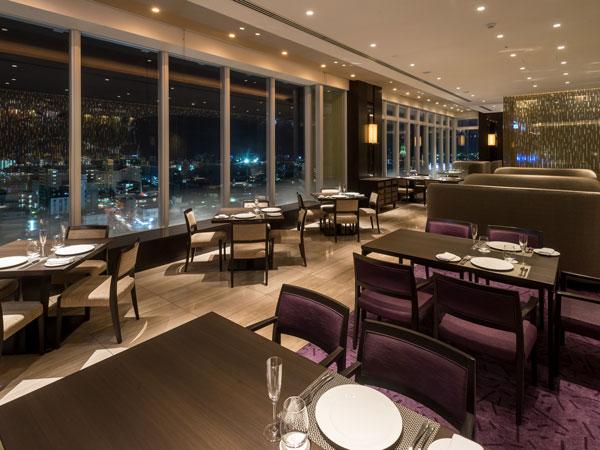 レストランも14階最上階にあり、夜景が楽しめる