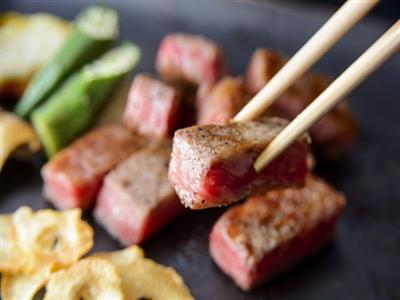 県産食材を、鉄板焼きで食す!