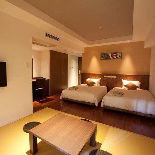 和・洋・沖縄の文化が融合したモダンな客室です。