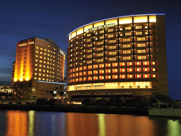那覇唯一の天然温泉、スパ・エステ充実の港を望むラグジュアリーホテル
