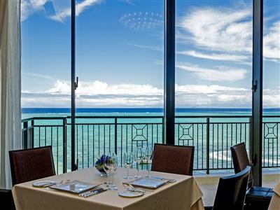見晴らし抜群のレストランでちょっと贅沢なランチ