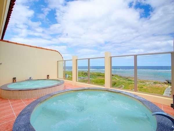 宿泊者は無料で利用できる別館の「展望露天風呂」