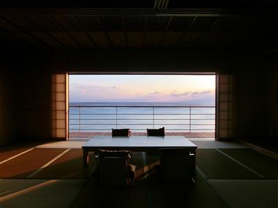 静謐な空間が広がる和室「白隠の間」