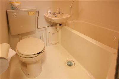 ユニットタイプのバストイレ付き、バスタブ