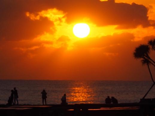 ホテルのすぐ目の前に広がるサンセットビーチ