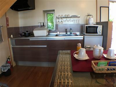 IHキッチンで自炊らくらく。充実の家電で長期滞在もOK