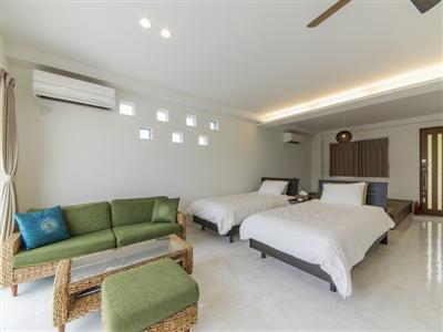 アジアンテイストのデザインが特徴の客室「やらぼ」