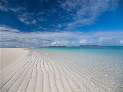 久米島に来たらぜひ訪れてほしい定番スポット「はての浜」