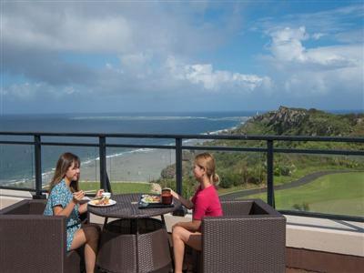 大きな窓一面に映る海に感動。大展望レストランで朝食を