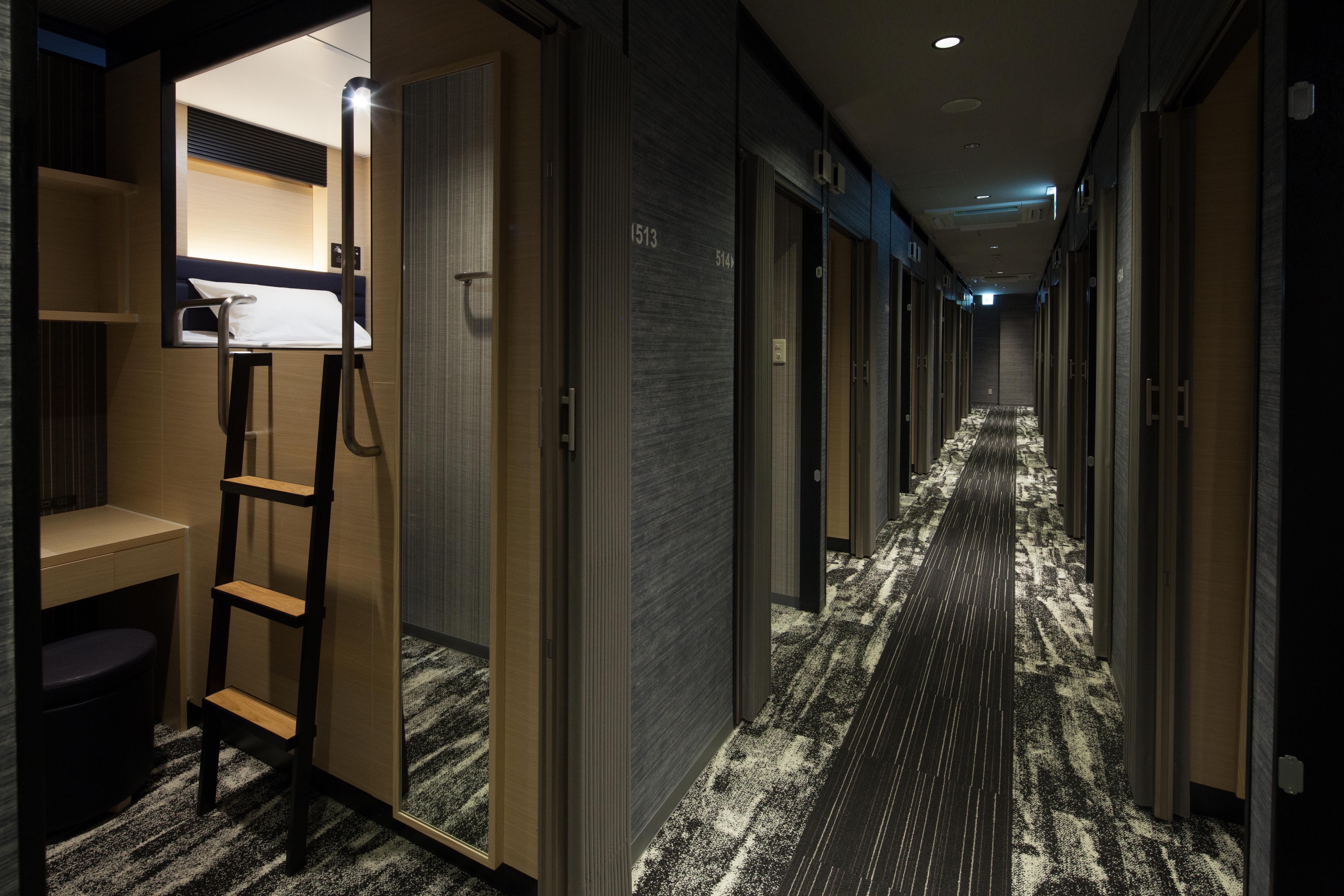 国際通り散策に便利!2種のキャビン+和洋客室を併せ持つホテル
