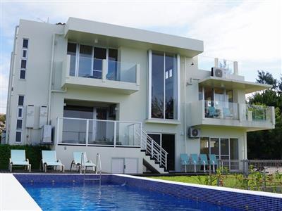 3階建ての邸宅を一棟丸ごと貸切。完全プライベートがある贅沢