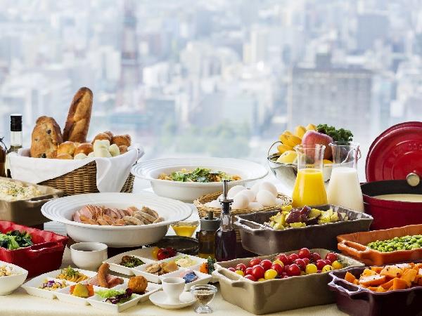 朝食ブッフェ会場はSKY J。6時30分からの営業で早朝出発でも安心