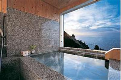 全客室に客室風呂を備え時間を気にせず入浴できる