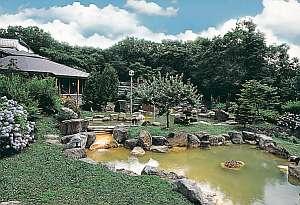 ニセコの広大な自然に囲まれた大庭園風呂