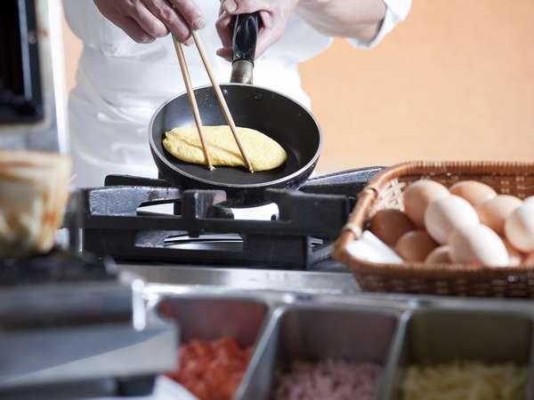 地元食材を活かし、温かいものを提供する朝食