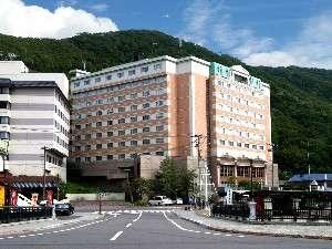 登別温泉の入り口、乳白色の硫黄泉を存分に楽しめる温泉ホテル