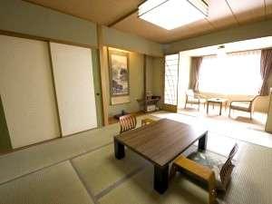 畳いぐさの日本の香り、落ち着きのある空間を満喫