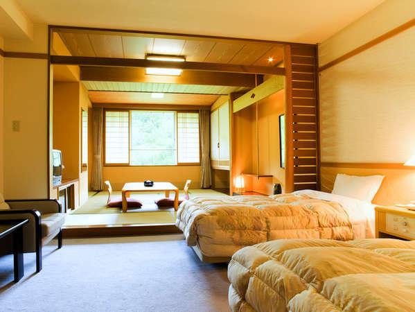 ツインベッドルーム+和室10帖のゆったり和洋室