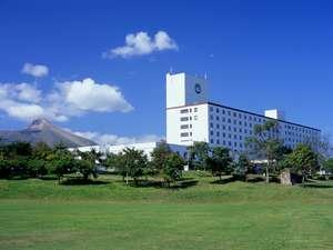 太平洋内浦湾と駒ケ岳を望む絶好のロケーションにたつ道南屈指の温泉リゾートホテル
