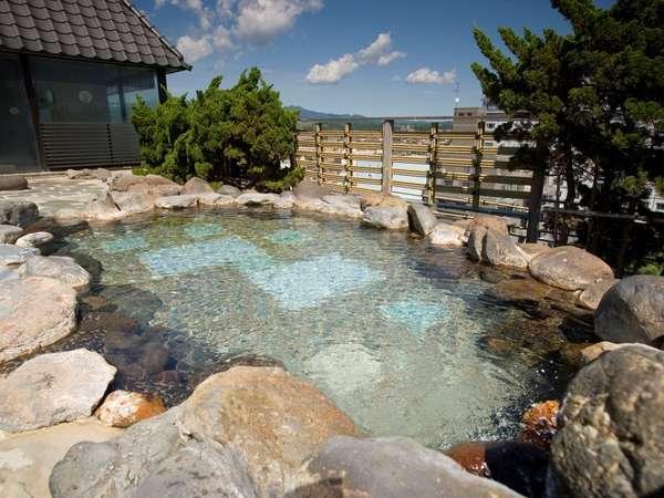空中露天風呂から山並みと海岸美がおりなす三大景観を堪能