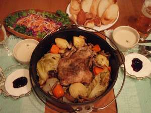 北海道ならではの食材をダイナミックに調理するダッチオーブン