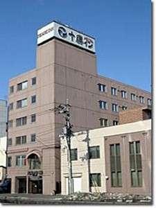 JR帯広駅より徒歩3分。官公庁、繁華街にも近く、ビジネス、観光の拠点としてお勧めです。