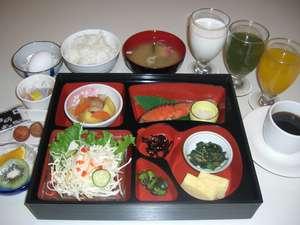 朝食は日替わりの和・洋定食