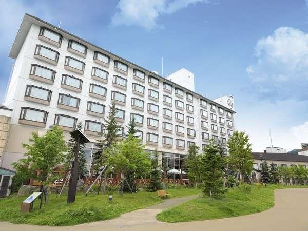 阿寒に訪れる方々の気持ちを優しく癒す「森のくつろぎと、ときめき」をコンセプトにしたリゾートホテルです